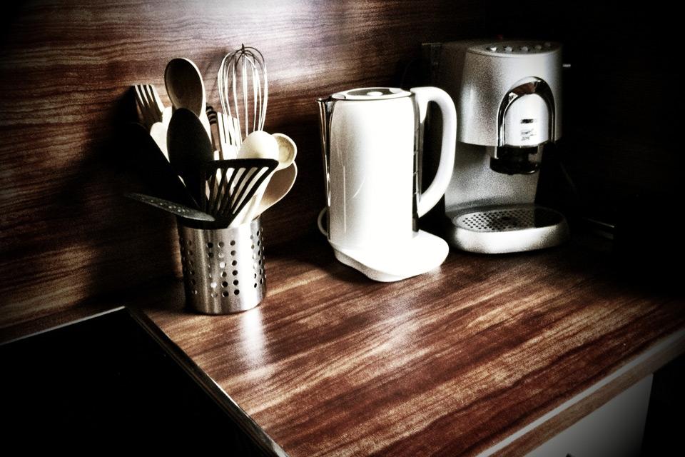 kalkablagerungen im wasserkocher verhindern austernschale. Black Bedroom Furniture Sets. Home Design Ideas