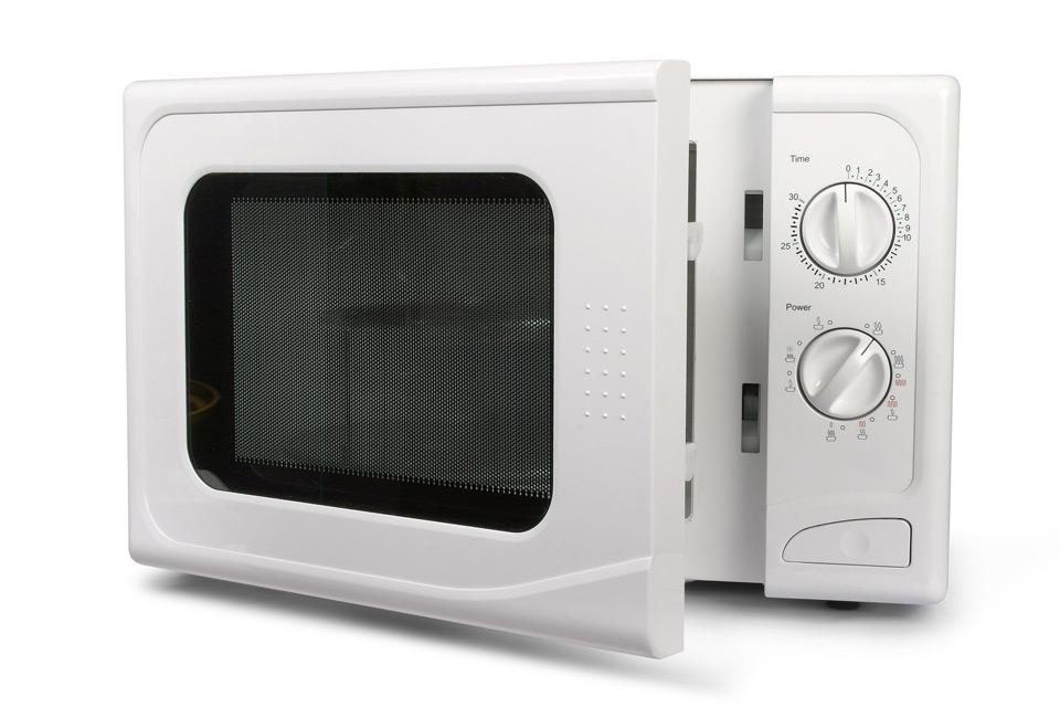 mikrowelle mit zitrone reinigen mikrowelle mit zitrone reinigen so wird 39 s gemacht. Black Bedroom Furniture Sets. Home Design Ideas